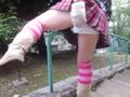 アナルにディルド突っ込んだまま公園散歩・手摺股間擦りつけオナニーする女装子自撮り動画!!